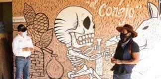 A través de murales promueven el mezcal minero de Santa Catarina Minas